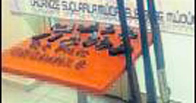 İzmir ve Isparta'da kaçakçılara baskın