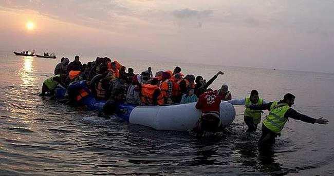 Çeşme açıklarında 52 mülteci yakalandı