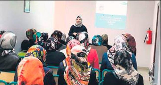 Huzur Çınarı'ndan annelere eğitim