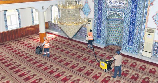 Camilerde ramazan hazırlığı