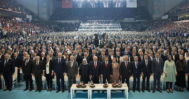AK Parti MKYK'da 26 yeni isim