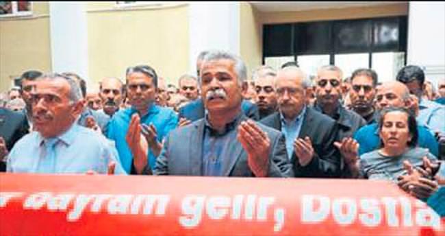 Kılıçdaroğlu, cenaze törenine katıldı