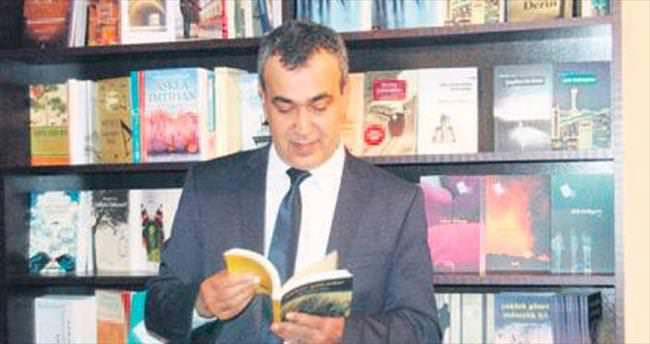 Şair Mehmet Aycı'dan '4 kitap bir arada' etkinliği