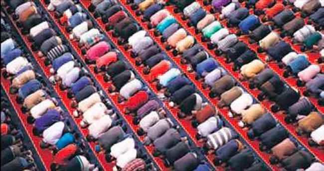Berat Kandili'nde camiler doldu