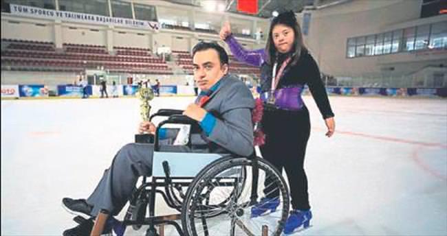 Engellilerin buz pistinde hayalleri gerçek oldu