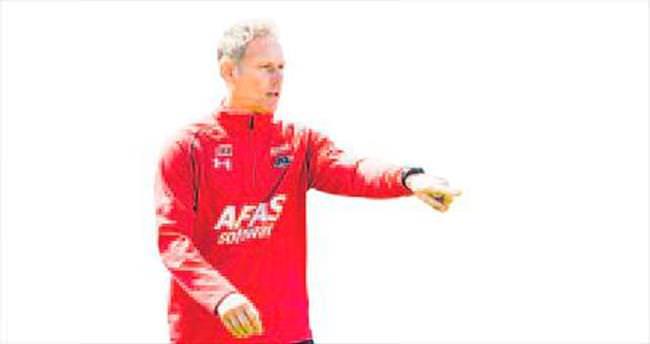 Marco van Basten: Ofsayt kaldırılsın!