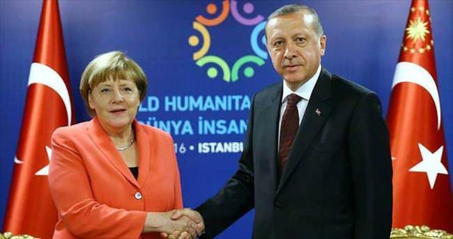 Merkel'den liderlere sitem