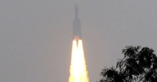 Hindistan mini uzay mekiğini uzaya fırlattı