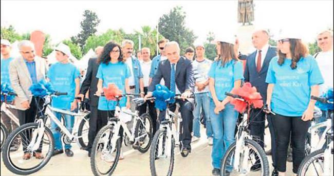 Bin 208 öğrenciye bisiklet dağıtıldı