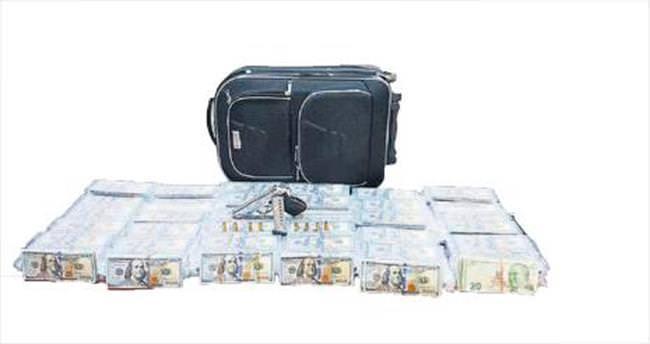 Valiz dolusu sahte dolar ele geçirildi