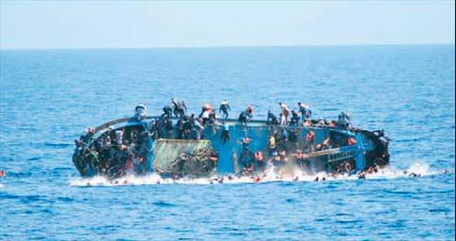 Akdeniz'in sularından 562 göçmen kurtarıldı