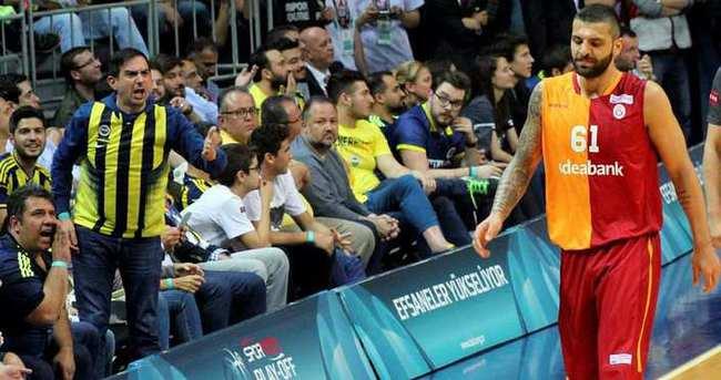 Göksenin'den Fenerbahçe'ye gönderme