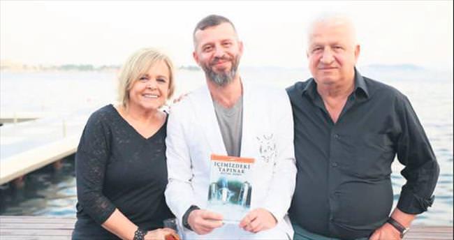Yazar Ali Boz'a anne-baba desteği