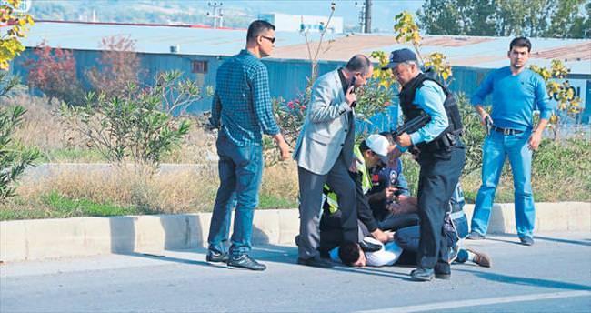 Antalya polisi yolda suça geçit vermiyor
