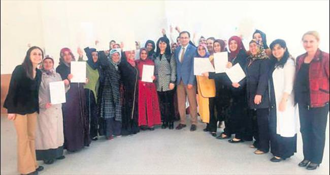 Altındağ'ın çalışkan kadınlarına sertifika