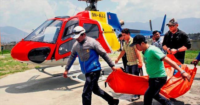Everest'te bir haftada 4 kurban