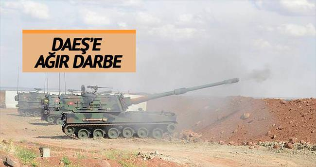 DAEŞ'e ağır darbe: 104 militan öldü