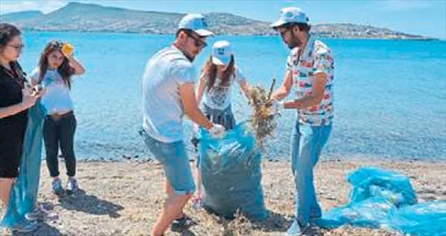 Foça'da kıyı ve sualtı temizliği