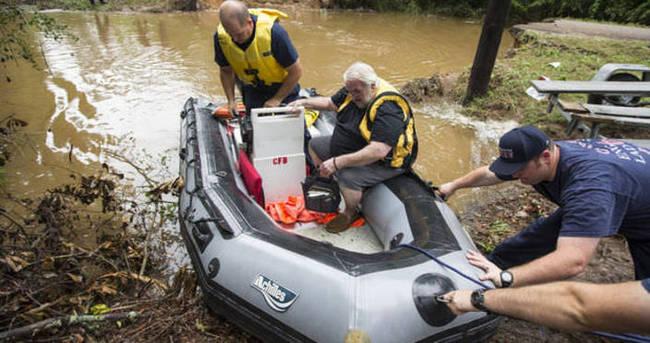 Teksas'ta meydana gelen sel felaketinde 6 kişi öldü