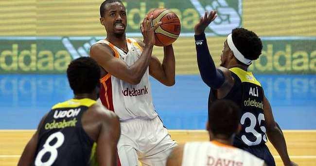 Galatasaray-Fenerbahçe basketbol play-off serisinde 4. maç