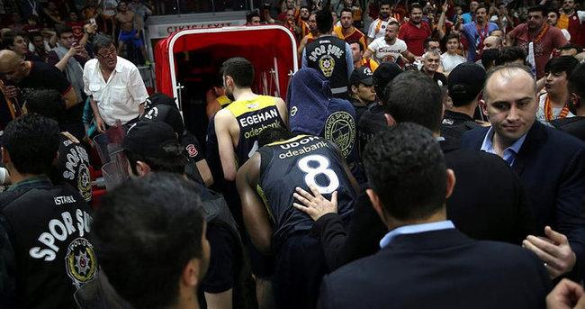 Galatasaray Odeabank'a 2 maç seyircisiz oynama cezası