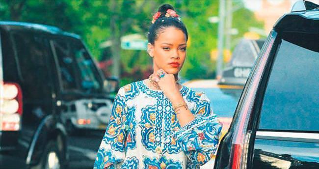 Rihanna'nın yaz şıklığı