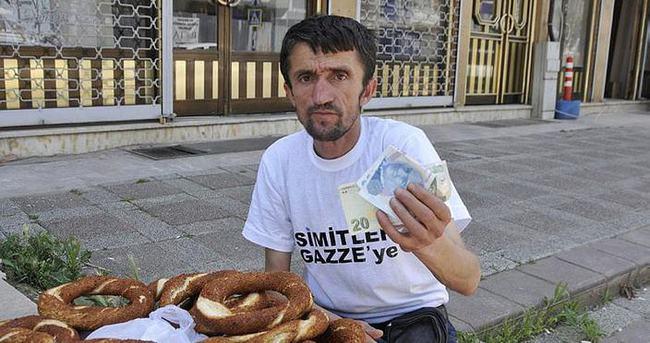Simit satarak kazandığı parayı Gazze'ye bağışladı
