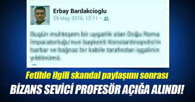 Bizans sevici profesör açığa alındı!
