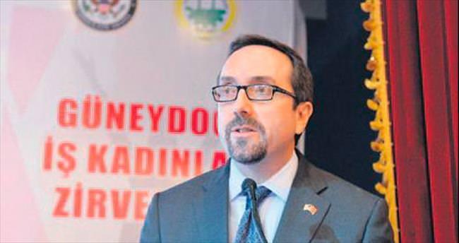 'YPG arması devlet politikasını yansıtmıyor'