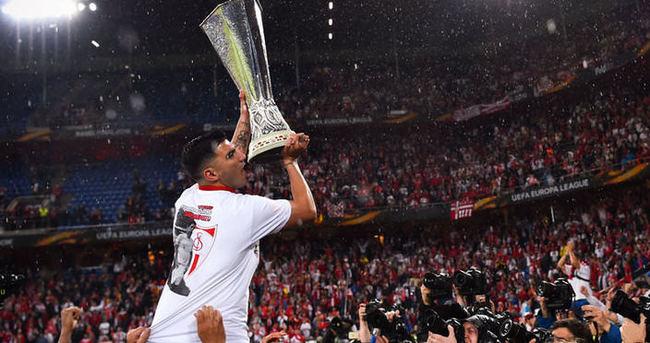 Reyes, Sevilla'dan resmen ayrıldı