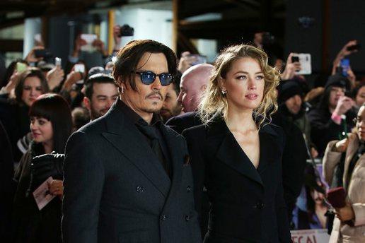 Johnny Depp, eşini yastıkla boğmaya çalışmış!