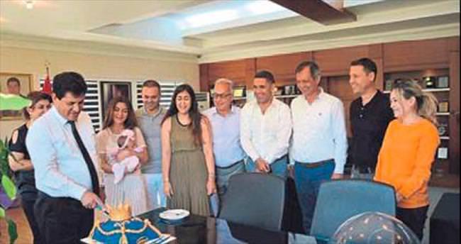 Başkan Gül'e sürpriz kutlama