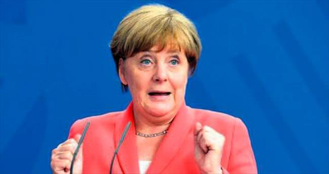 Alman basınından Merkel'e eleştiri