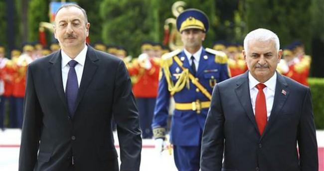 Başbakan Yıldırım, Azerbaycan'dan ayrıldı