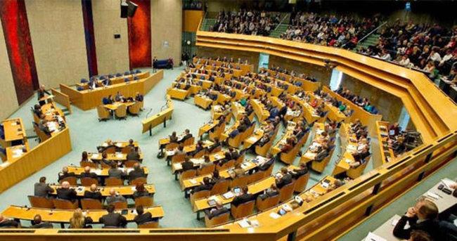 'Sözde soykırım' için Hollanda'dan flaş karar