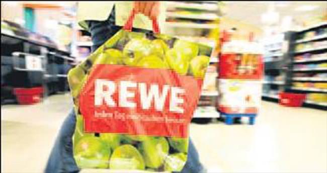Alman süpermarket plastik poşeti bırakıyor