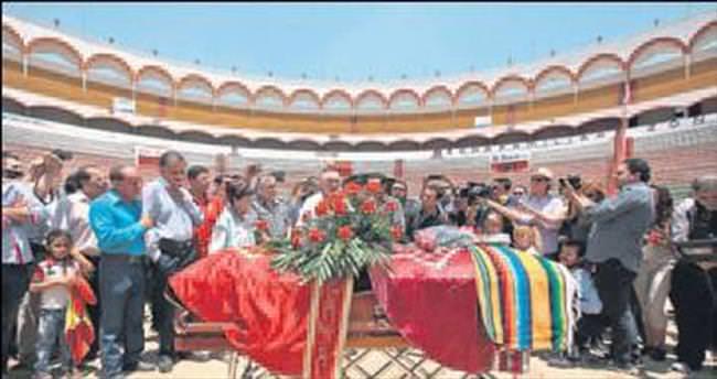 Meksikalı matador arenadan uğurlandı