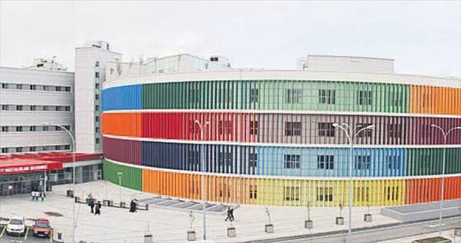 Anne ve çocuk için rengarenk hastane
