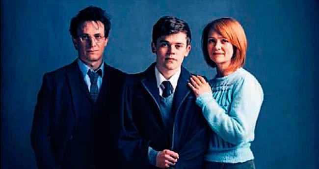'Harry Potter' tiyatroda devam ediyor