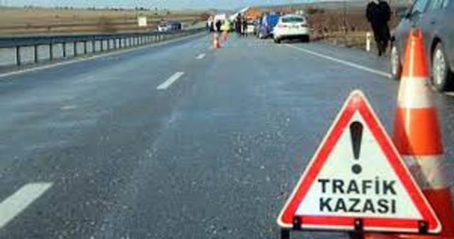 Yolcu minibüsü şarampole yuvarlandı: 8 yaralı