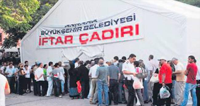 Başkentte 9 noktada iftar çadırları kuruldu