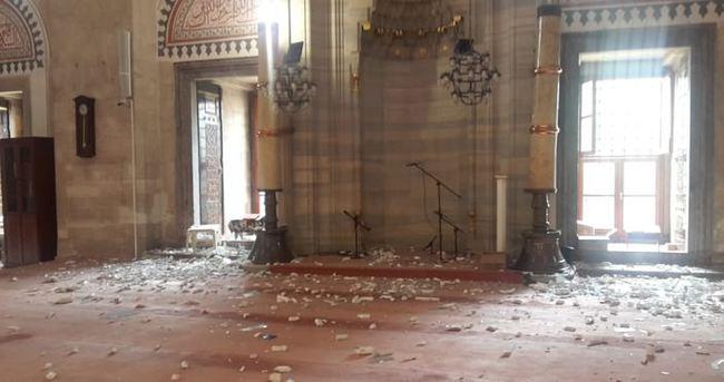 Patlamada hasar gören Şehzade Camii'nde onarım çalışması