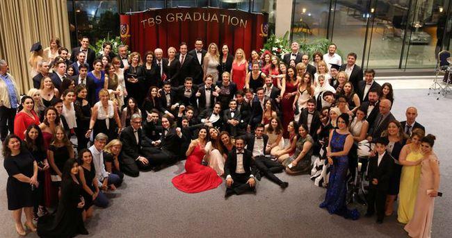 Tarabya İngiliz Okulları mezuniyeti kutladı
