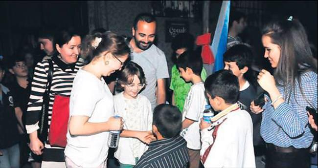 Oruç tutan çocuklar için Ramazan eğlencesi
