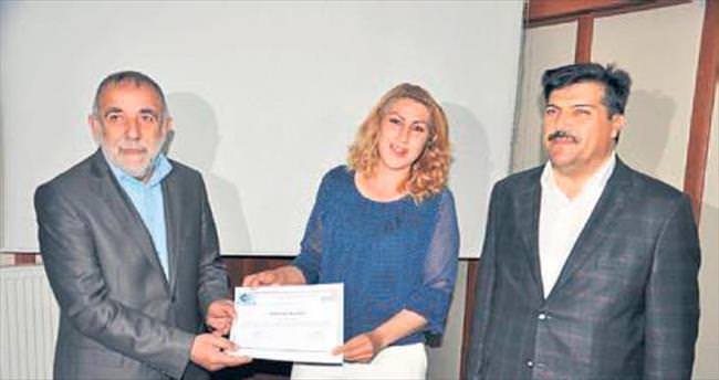 Eğitimini tamamlayan kursiyerlere sertifika