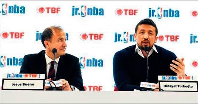 Türkoğlu TBF'yi bıraktı