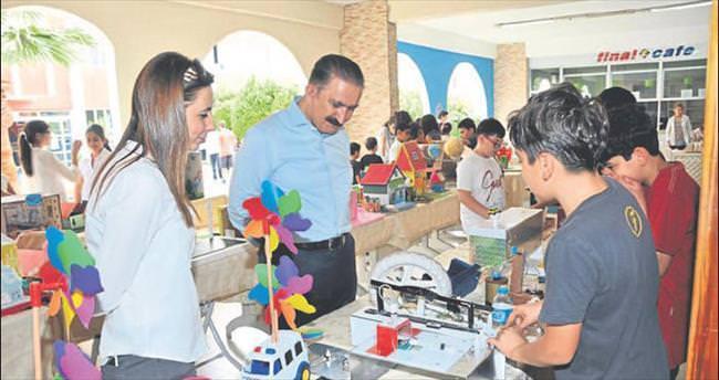 Final Okulları'nda bilim-sanat şenliği