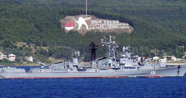 Rus savaş gemileri Çanakkale Boğazı'ndan peş peşe geçti