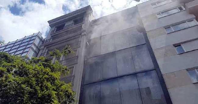 Nişantaşı'nda 6 katlı mağazada yangın paniği