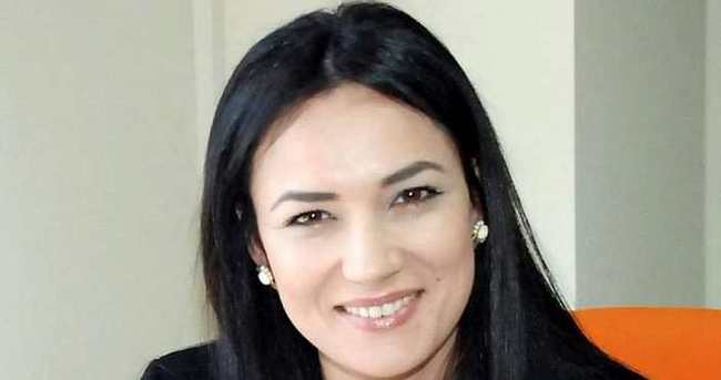 Eski Türkiye güzeli AK Parti Kadın Kolları İl Başkanı oldu